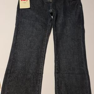 Levis girls jeans, size 4-5 years.